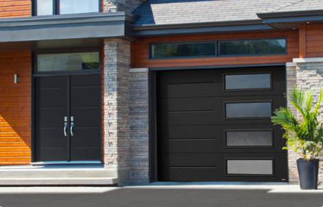 Two new garage door models: Vog and Prestige