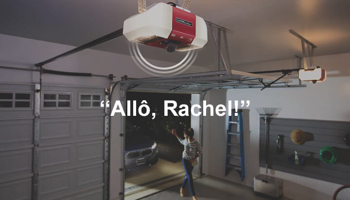 Le proprio reçoit une notification sur son cellulaire et voit une femme qui entre dans son garage : « Allô, Rachel! », dit-il.
