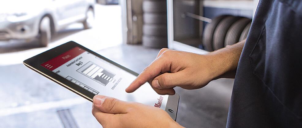 Vous pouvez vous servir aussi de votre tablette pour ouvrir et fermer votre porte de garage.