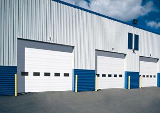 Portes de garage commerciales offertes par Garaga
