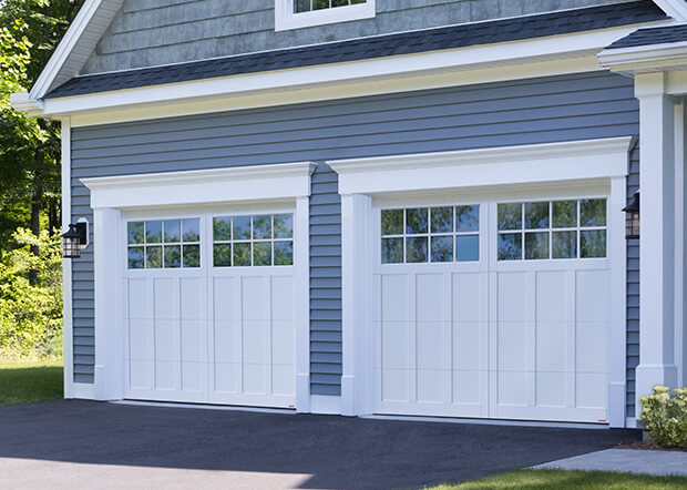 Princeton P-13, 9' x 7', portes et moulures Blanc glacier, fenêtres Panoramique 8 carreaux