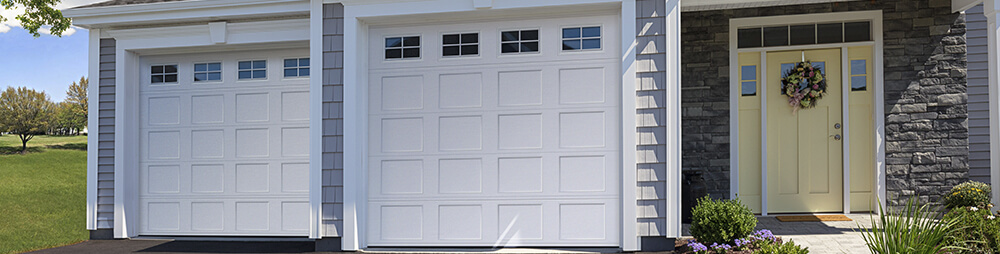 Vantage Shaker-Flat Short, 9' x 8', White, windows with Stockton Short Inserts
