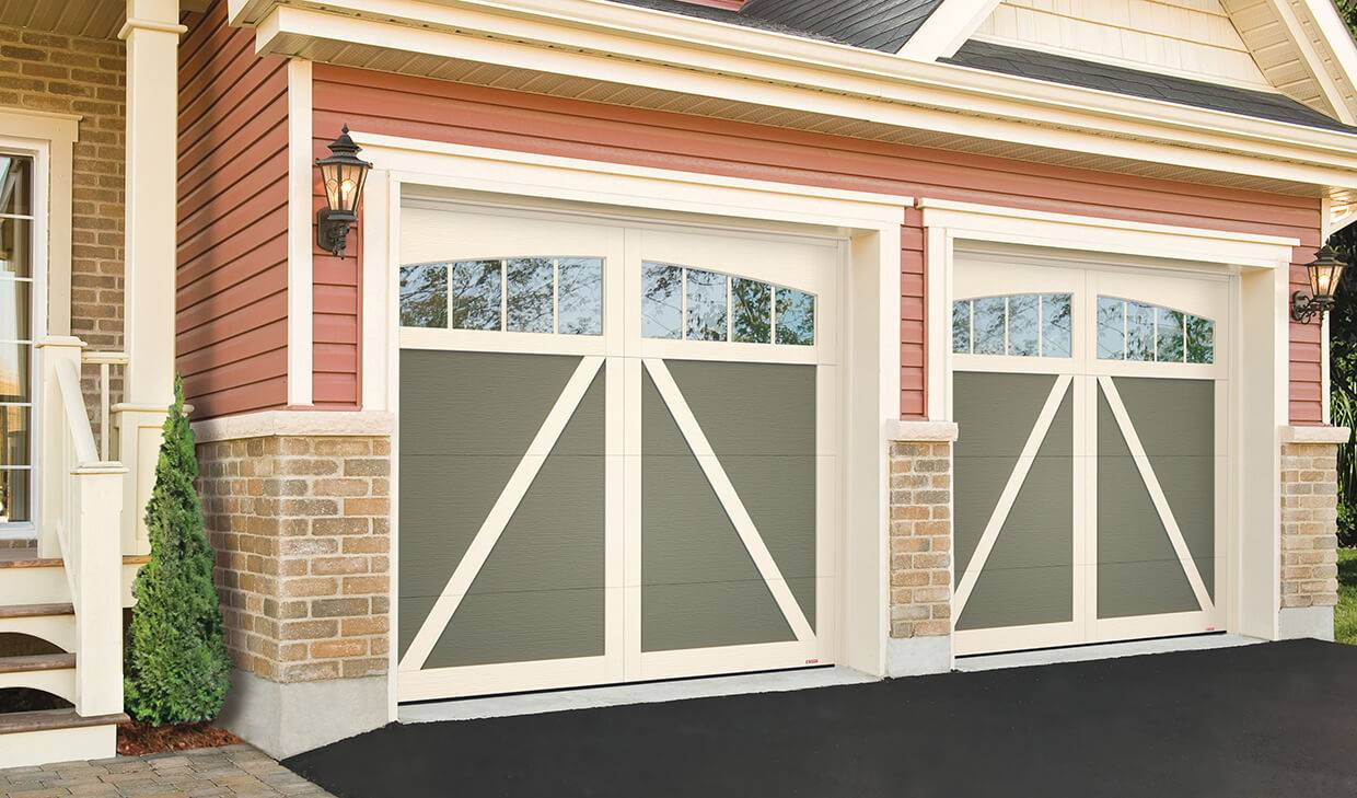 Eastman E-22, 8' x 7', Dark Sand doors and Desert Sand overlays, Arch Overlay with Panoramic 4 vertical lite windows