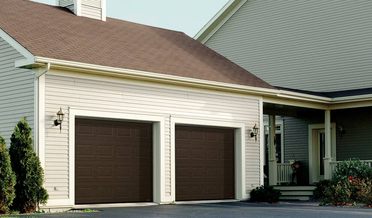 Regal Classic CC, 9' x 8', Moka Brown