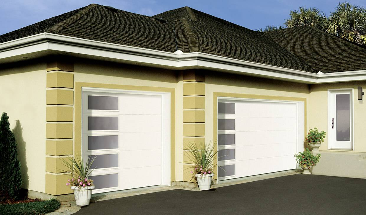 Regal Flush, 10' x 8' and 16' x 8', White, window layout: Left-side Harmony