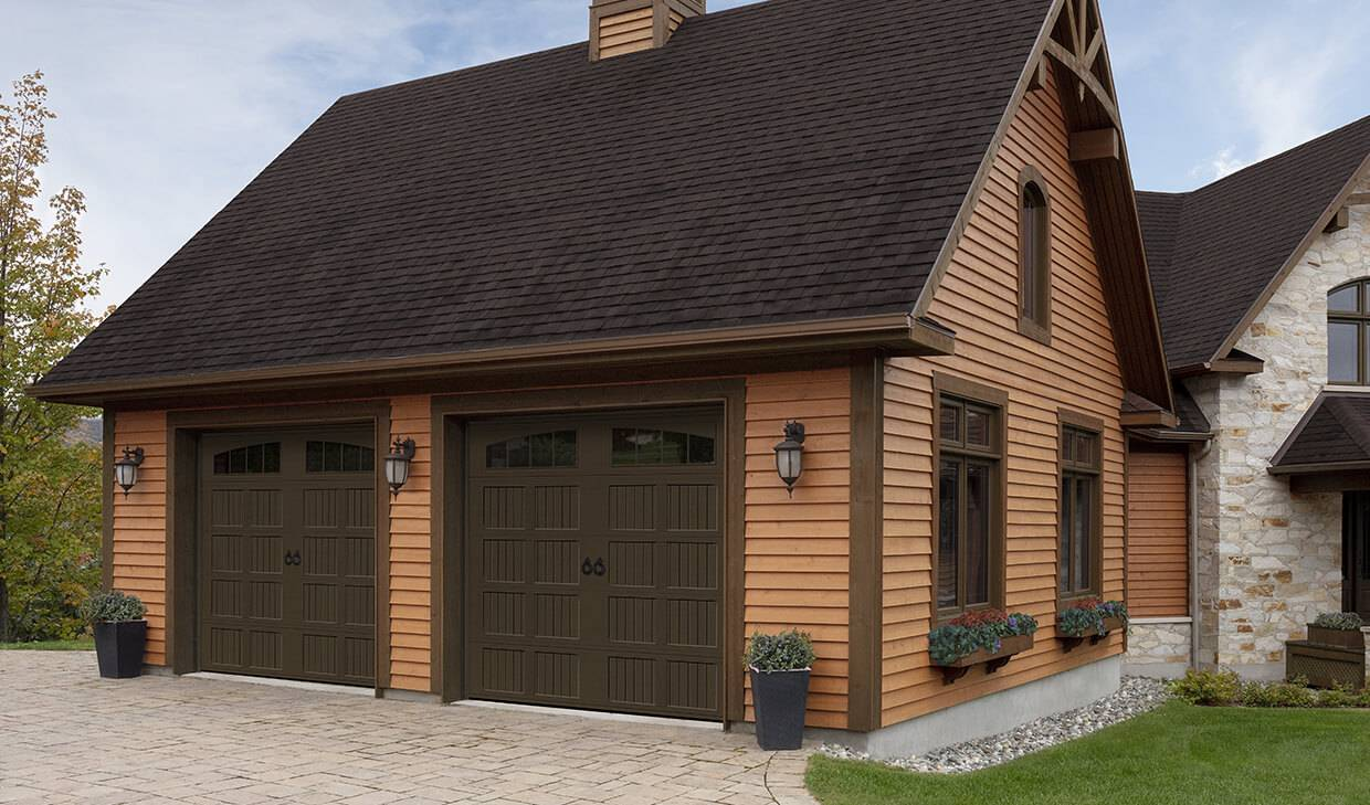 Village Collection I-1 Layout, Plank base, 9' x 8', Brown, windows with Richmond Arch Inserts