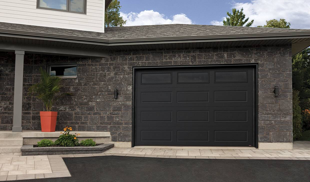Standard+ Prestige XL, 12' x 8', Black, Masterline windows