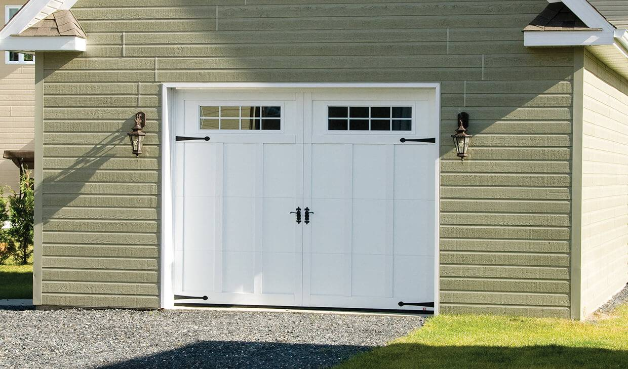 Eastman E-13, 10' x 8', Ice White door and overlays, Orion 8 lite windows