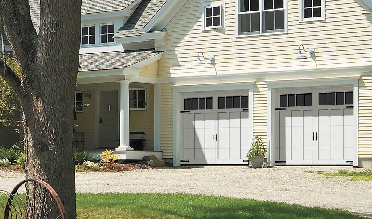 Eastman E-13, 9' x 7', Ice White doors and overlays, Panoramic 4 vertical lite windows
